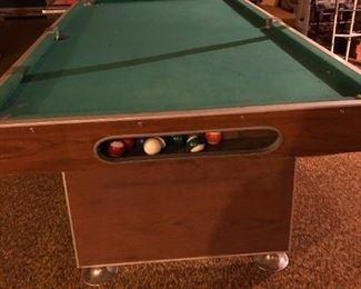 Retro pool table