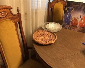 1960's dining room table with 6 chairs, pad and one leaf.  Very sturdy.