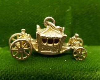 10 Kt Gold Carriage Charm