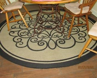 ANOTHER ROUND RUG.. GREAT DESIGN AND QUALITY