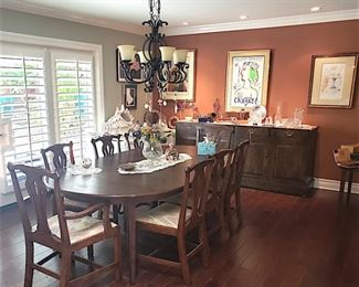 Dining room table with 8 chairs