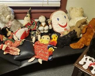 Nice collection of vintage stuffed animals