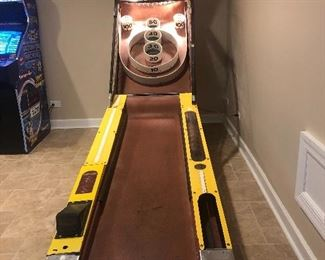 Skee Ball!   Silent auction in this item Come see and place your bid on this amazing item Pick up is Saturday after the sale ends