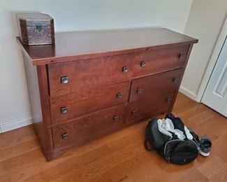 Vaughn Bassett Lifestyle Dark Cherry 6 Drawer Dresser