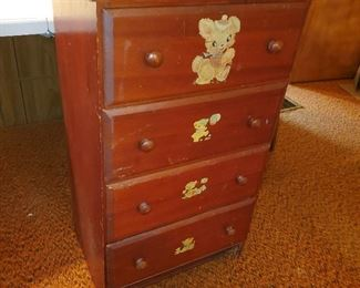 Child size chest of drawers $25
