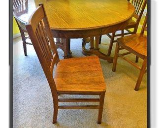 Detail Tiger Oak chair