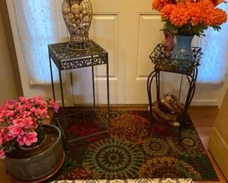 Plant Stands Rugs and Decor