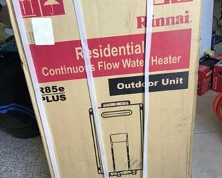 002 Rinnai Continuous Flow Water Heater