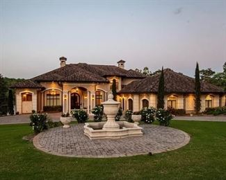 Stunning Lakefront Home