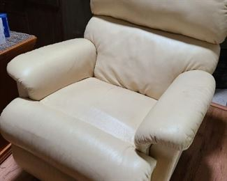 Leaver buttercream color Chair low price