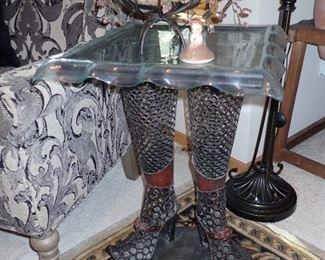 FEET & LEG SIDE TABLE VERY FUN