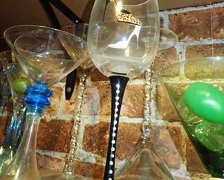 LARGE ASSORTMENT OF UNIQUE BAR GLASSES