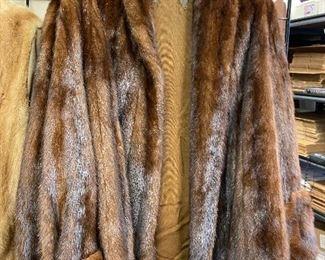 https://www.ebay.com/itm/124815410600ME6087:  Vintage Mink Jacket