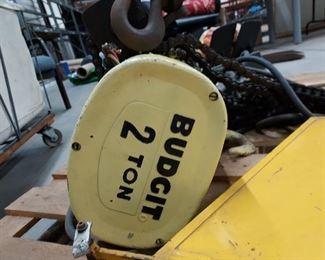 2 ton hydraulic hoist