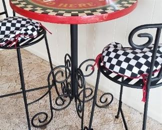 Coke bistro table, 2 stools with back