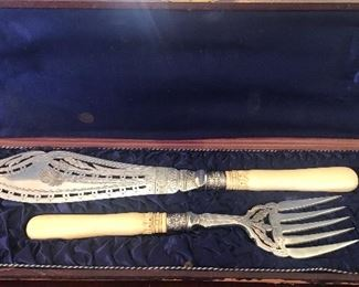 """Bone Handle Electroplated Silver (Marked """"JHNW """") Fish Set in Original Box.  Made in England"""