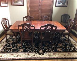 Beautiful Mahog Table w 2 lg leaves and 8 cahirs