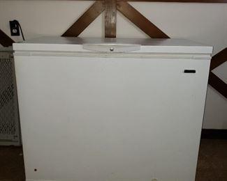 Kenmore chest type deep freezer