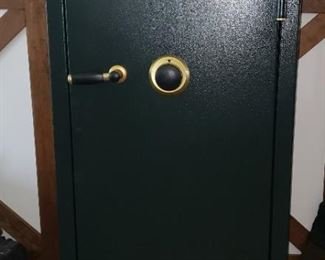 classic Stack On fireproof gun safe w combination