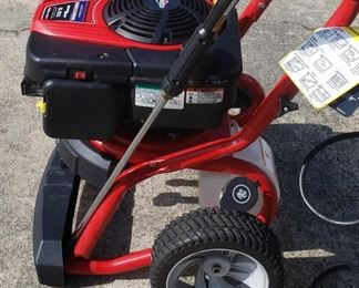 Troy bilt 2800 psi pressure washer. Fully tested. Exc.