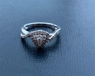 Lot #005---14kw Ring, diamond weight: 0.50ct, weight: 4g, size: 7.5, price: $260