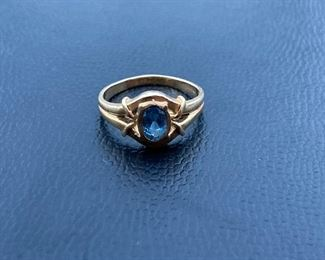 Lot #006---14ky Blue Topaz Ring, weight: 2.8g, size: 6, price: $185