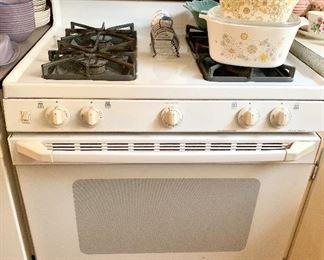 GE XL44 white Gas Stove $150