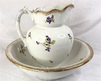 Antique-Style Wash Basin and Pitcher