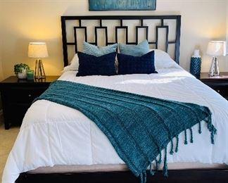 West elm queen bed set