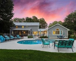 Roswell Estate - More photos coming soon!!!!