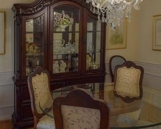 Dining room china cabinet, dining room set (4/four chairs)