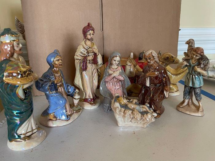 1 Ceramic Handcrafted Nativity Scene