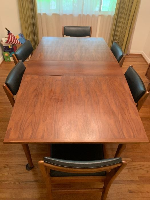 Mid-century modern table and chairs.  Stanley Tivoli.