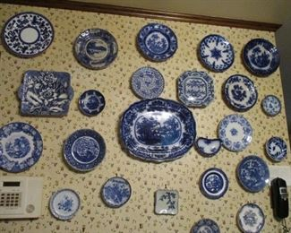 Many flow blue plates
