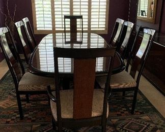 Stunning Drexel Heritage Dining Table and Chairs