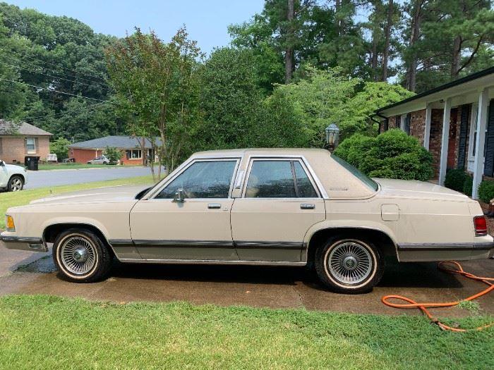 "1988 Grand MarquisMercury 4 door sedan ""cream puff"" new battery, great tires, with l29,963                           VIN # 2MEBM75FXJX715016 asking $3,295.00."
