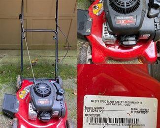 "Briggs & Stratton 20"" Yard Machine Lawn Mower 11A-02BT729"
