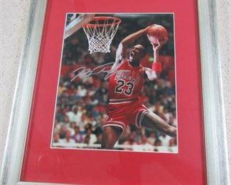 8 x 10 Michael Jordan Autographed Photo w/Certificate