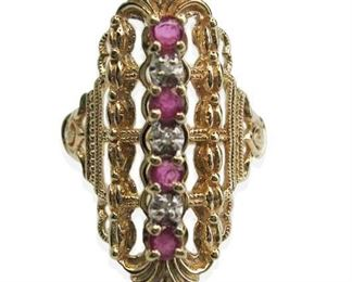 Beautiful Vintage Ruby and Diamond 10kt Yellow Gold