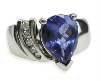 Gorgeous Tanzanite and Diamond Ring in 14kt White Gold