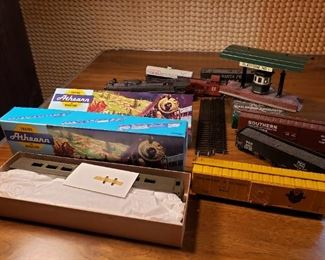 HO size train and accessories