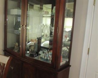 Ethan Allen Dining Suite With China Cabinet