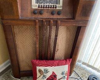 Radio  Philco  75.00