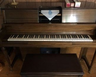 Hardman Duo electric player piano in fine tune and working condition