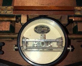 Lord Kelvin vertical force measure