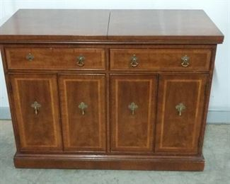 """Folio Four Henredon Flip Top Sideboard has top that flips open to provide more space. Closed, this cabinet measures 40""""x18""""x30"""". Open, the 40"""" becomes 80"""". https://ctbids.com/#!/description/share/1012597"""