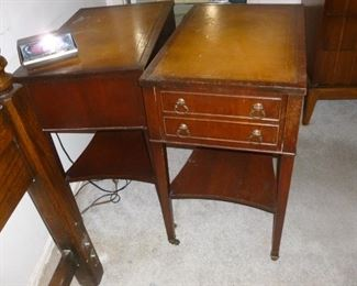 Pair of mahogany nightstands or end tables