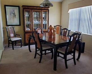 Bassett Asian Design Brown+Black Dining Room Set