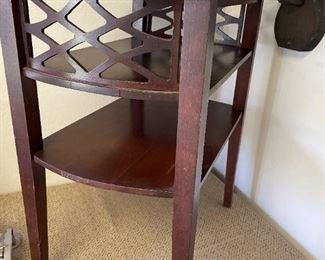 Vtg Mahogany Side Table!