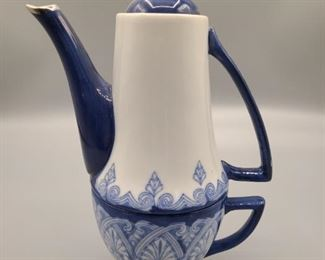 Bombay Porcelain Teapot with cup